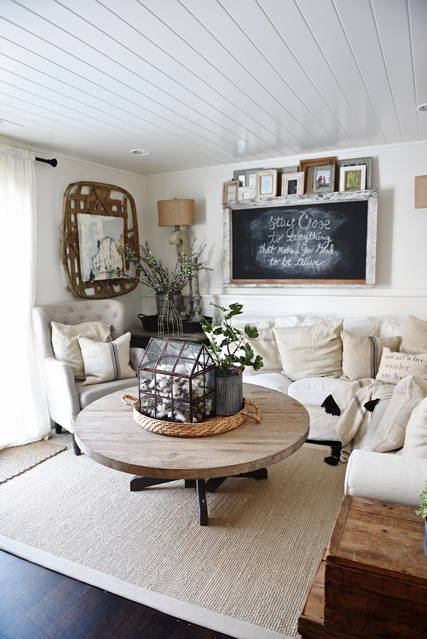 farmhouse decor living room rustic chalkboard