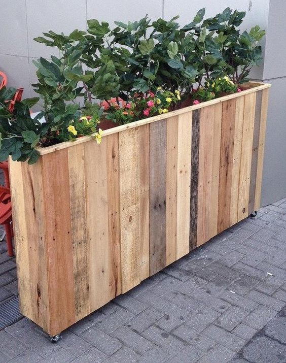 spring diy garden planter with reclaimed wood